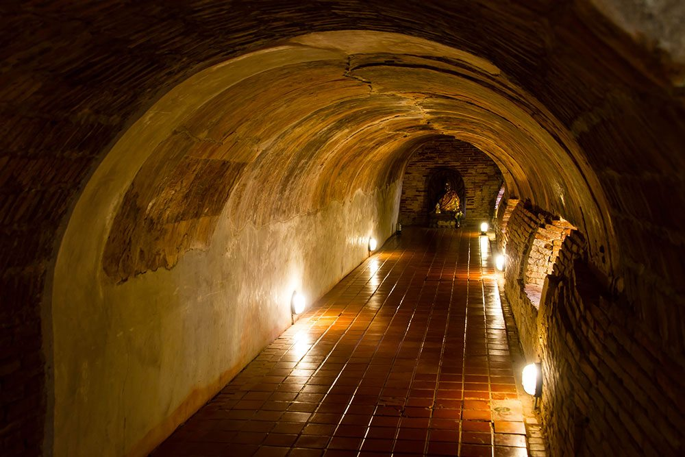 Wat Umong means the tunnel temple
