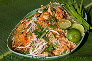 Pad Thai or fried noodles