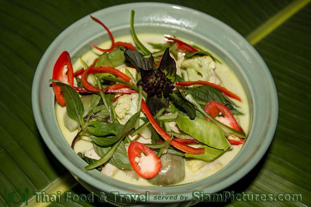 Thai Green Curry or Kaeng Khiao wan
