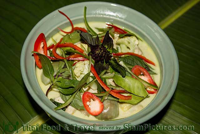 Thai Green Curry or Kaeng Khiao wan